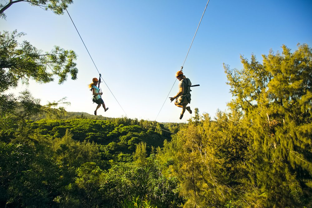 4 Reasons Ziplining in Oahu, HI is the Perfect Date