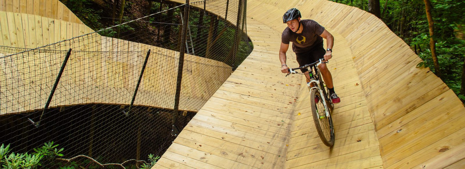 What to Wear When You Go Mountain Biking in Gatlinburg